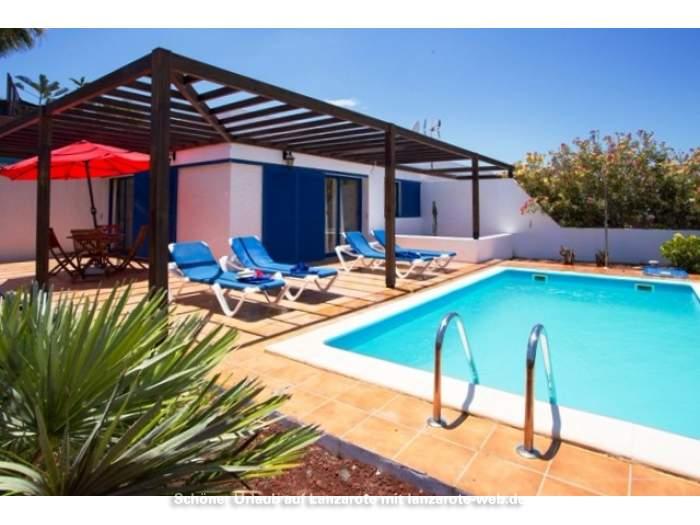bilder f r villa mit beheizbarem privatpool nur 1200 meter zu den papagayos 1044970. Black Bedroom Furniture Sets. Home Design Ideas